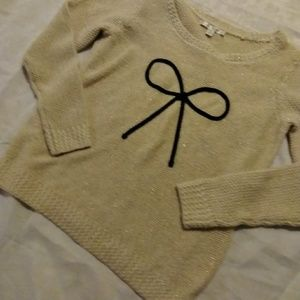 🍩 5/$25 LC sweater with bow detail
